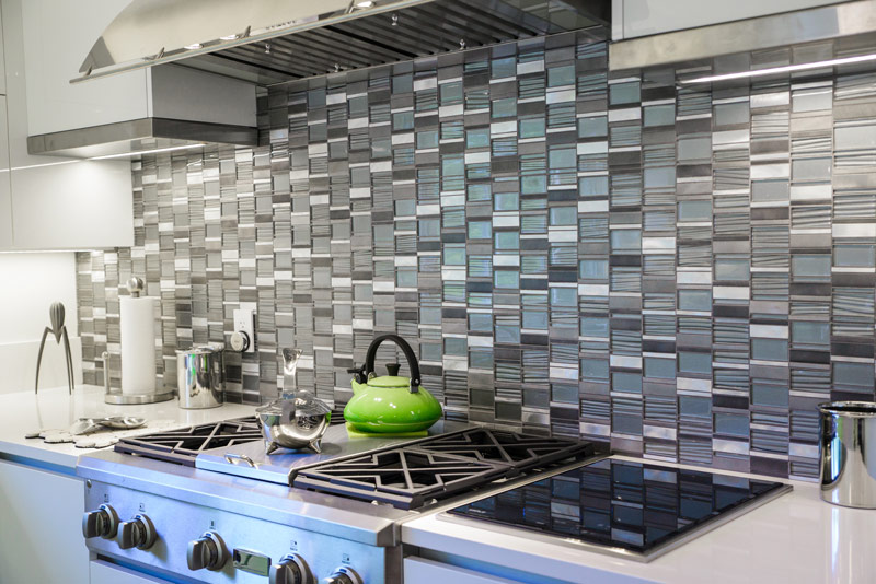 7 do it yourself projects youll want to start this winter gnh backsplash project solutioingenieria Image collections