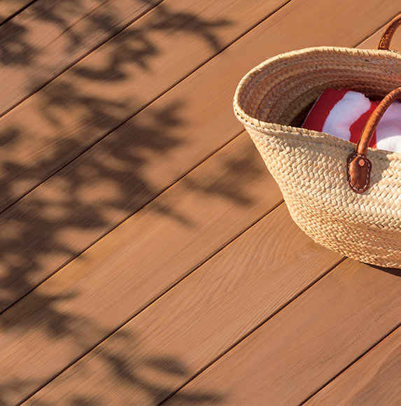 Choosing the Right Deck Stain Color