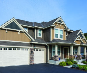 Read the article: 6 Colorful Ways to Compliment Neutral Trim & Siding