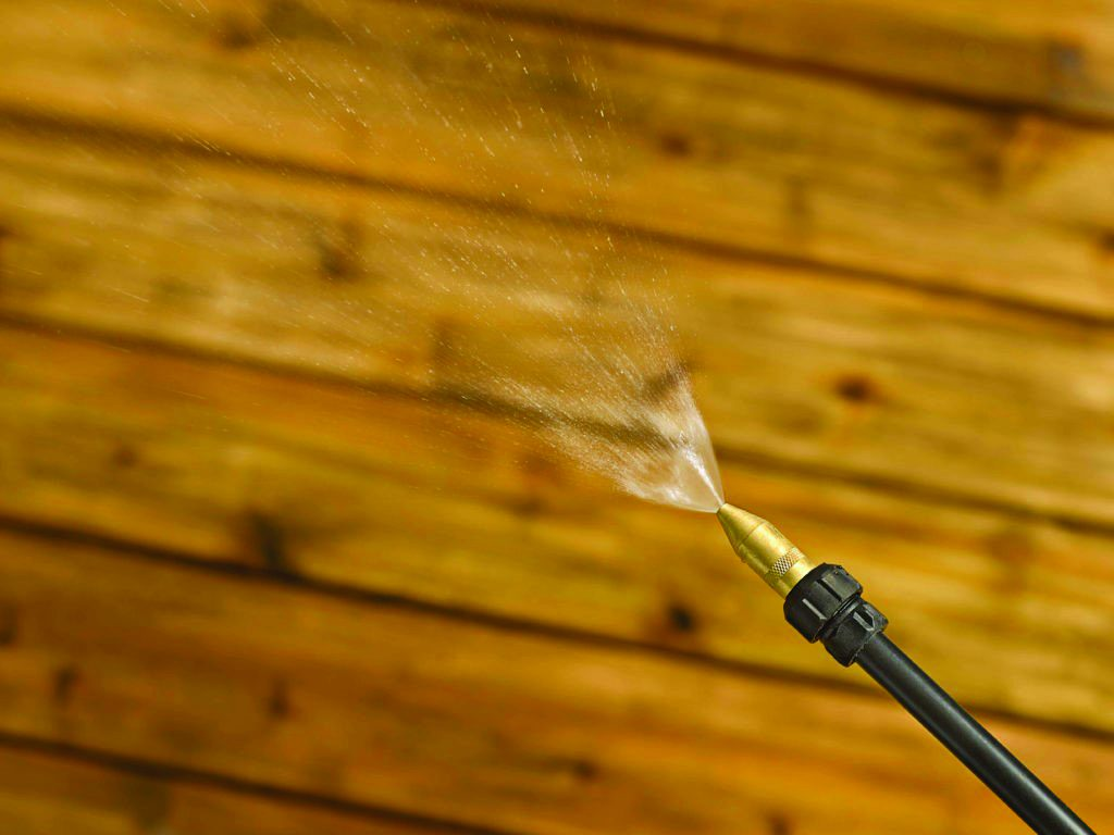 Prepping Your Deck for Staining