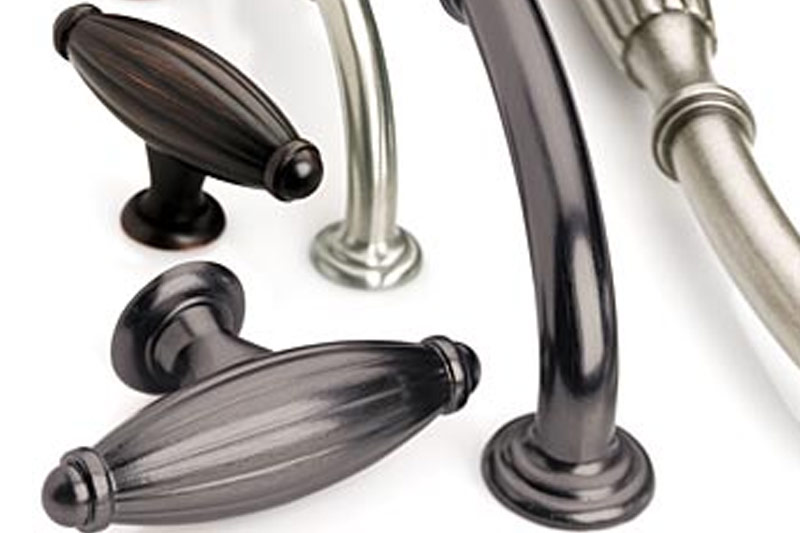 door knobs & handles in many styles