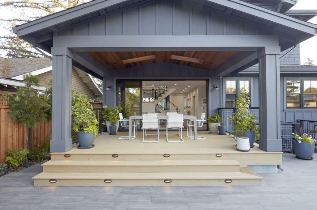 Cozy Outdoor Dining Spaces - Invisible Walls